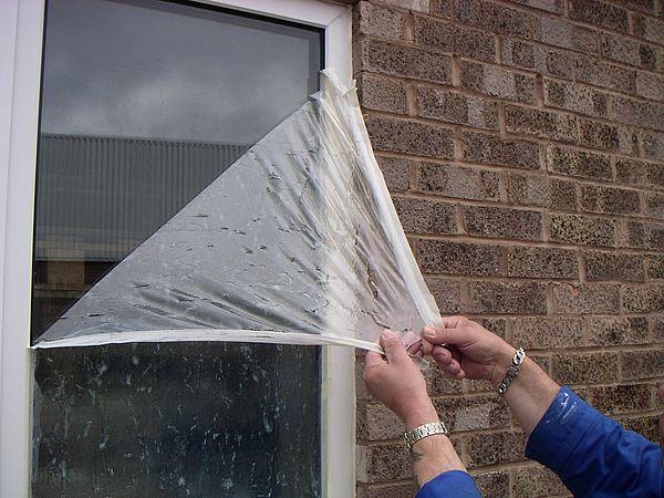 Защитная пленка на окно