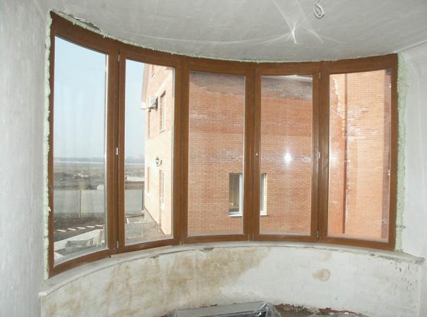 balcony-glazing-radiused-frame