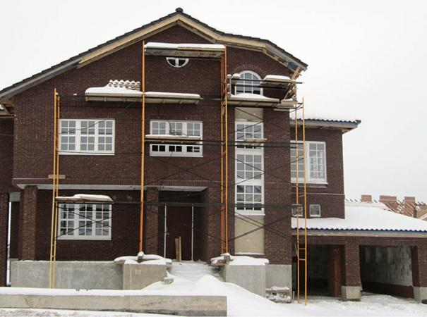 home-with-wood-windows-4