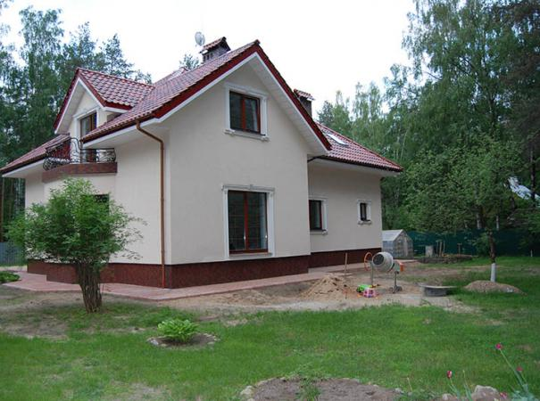 house-with-wooden-window-9
