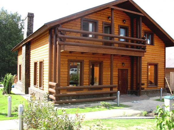 rectangular-wooden-box-with-casing-emphasize-the-beauty-of-a-wooden-house-side