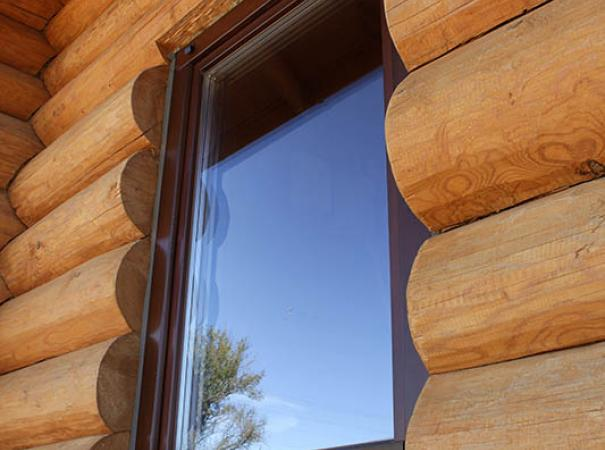 windows-in-the-wooden-house-9