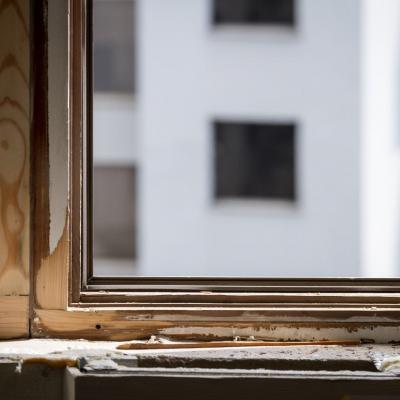 зачистка окна перед реставрацией