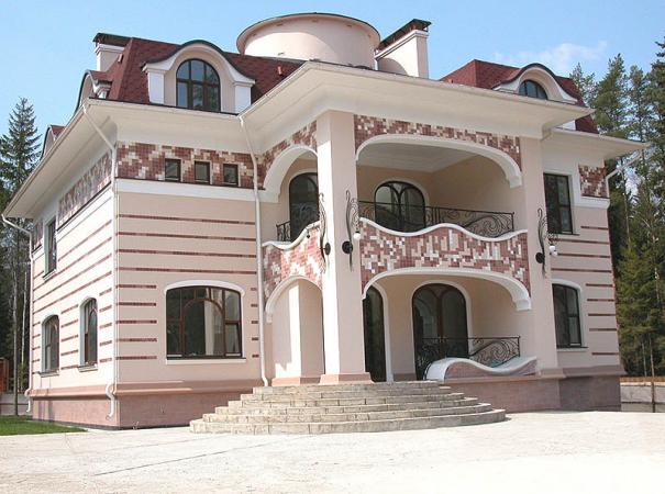 arched-windows-underline-architecture-cottage-main