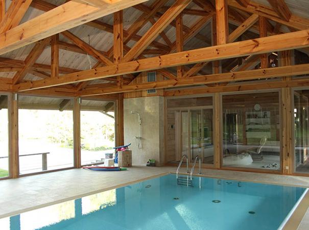 house-with-swimming-pool-and-patio-glassed-panoramic-windows-5