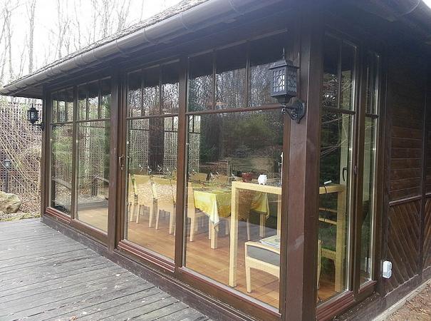 patio-wood-windows