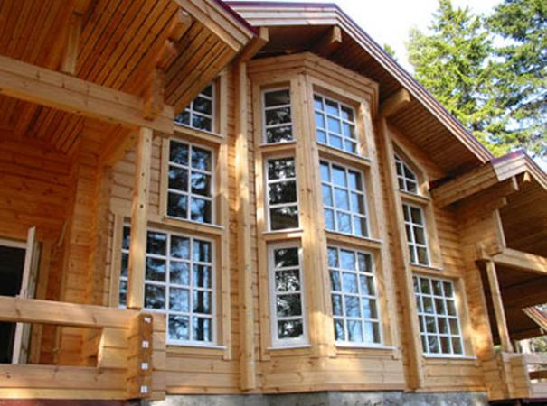 windows-in-the-wooden-house-3
