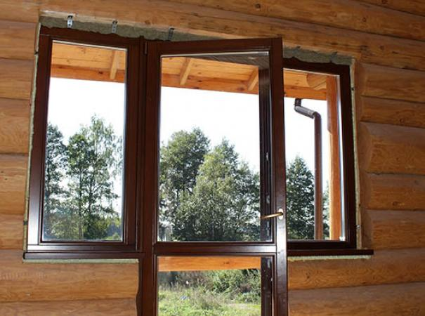windows-in-the-wooden-house-6