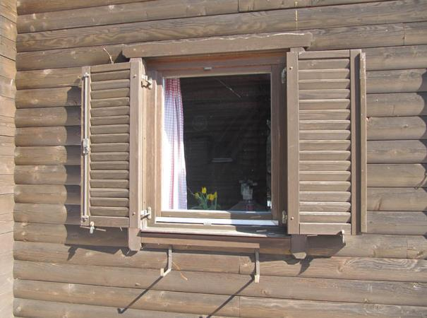 wooden-shutters-in-the-wooden-house-1